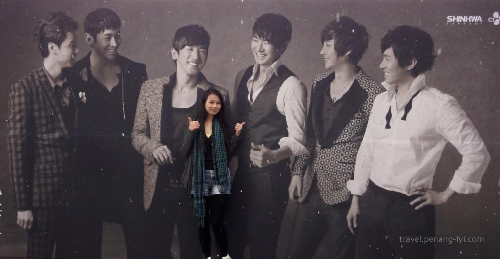 seoul-shinhwa-2012-concert-board-