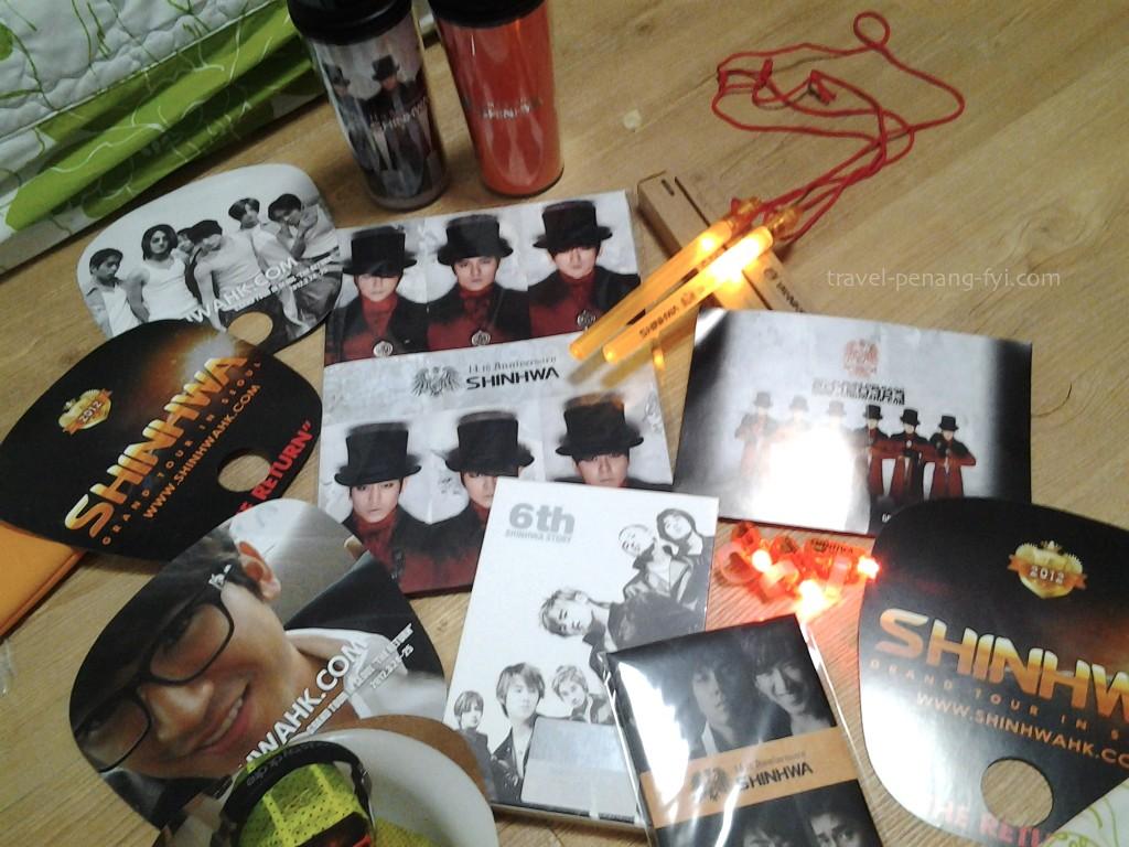 seoul-shinhwa-2012-concert-merchandises