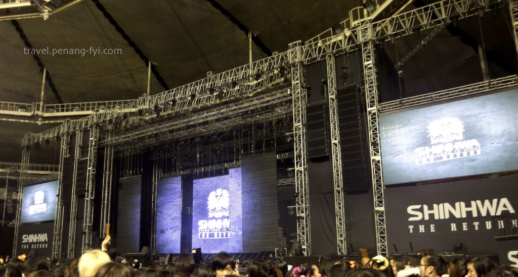 seoul-shinhwa-2012-concert-screen