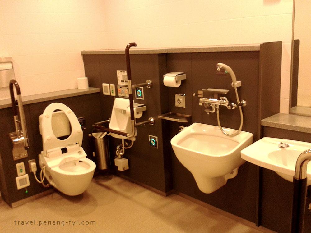 japan-narita-toilet