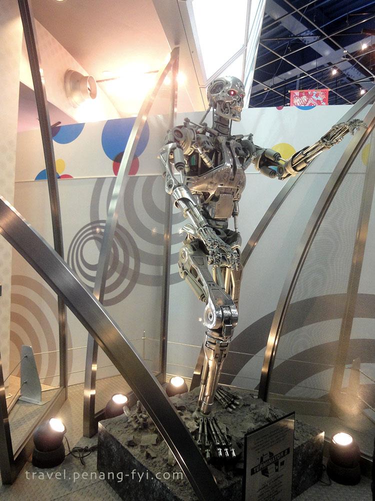 universal-studio-terminator-2