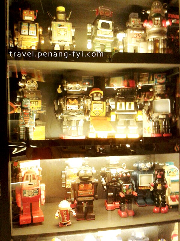 penang-ben-vintage-toy-museum-robots