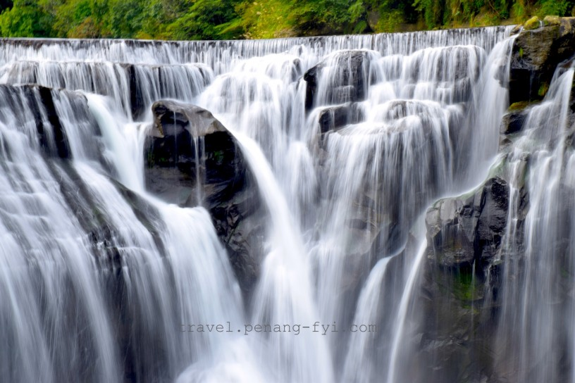 shifen-waterfall-2