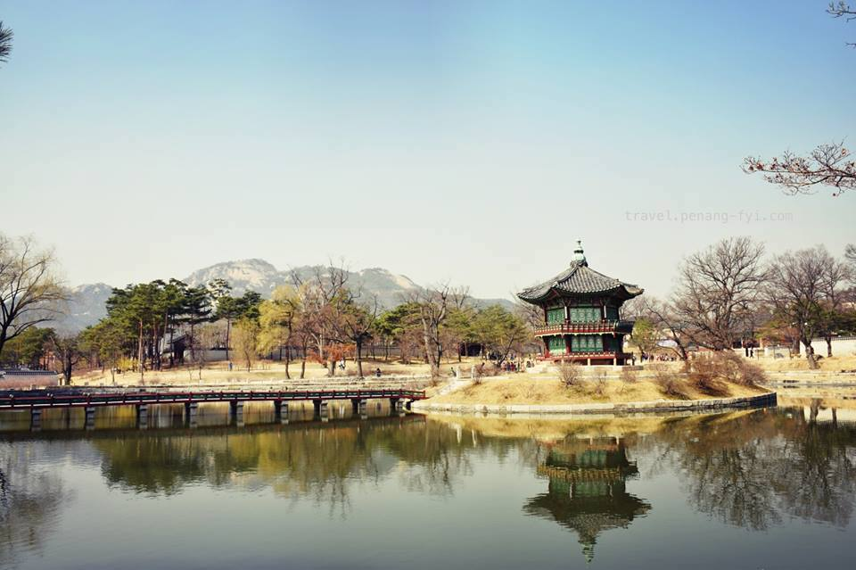 Hyangwonji Pond & Hyangwonjeong Pavillion