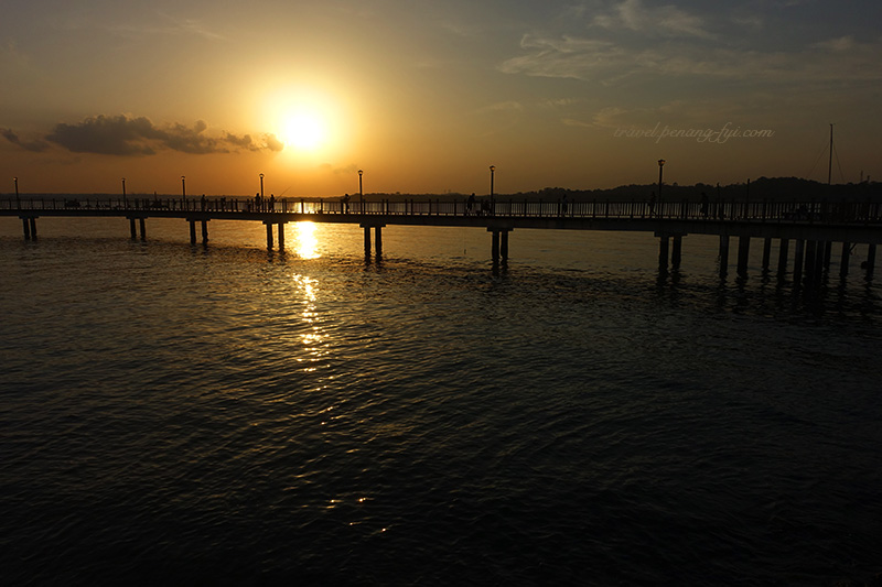 changi-boardwalk-sunset-1