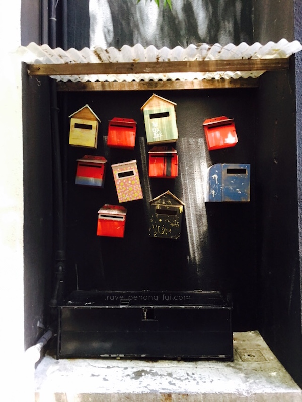 concubine-lane-post-box