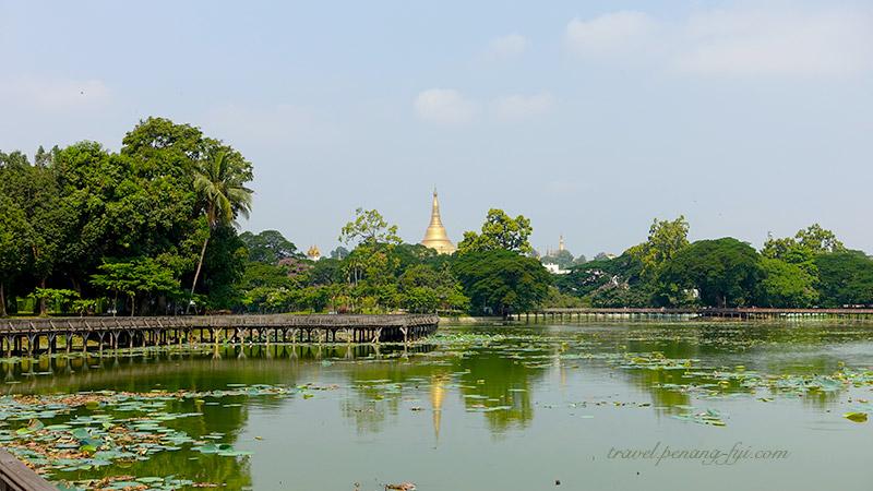 kandawgyi-park-pagoda