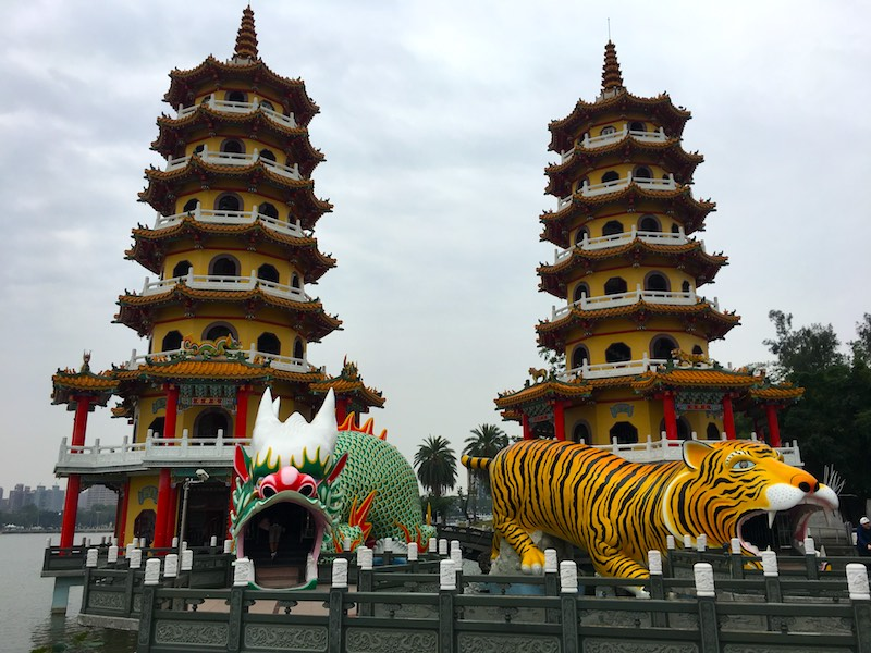 dragon-tiger-pagoda-kaohsiung-2