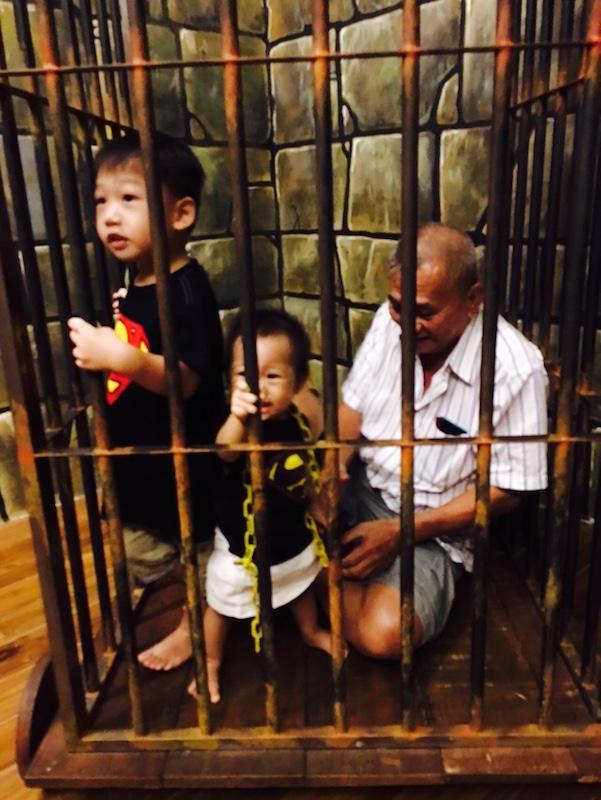 funtasy-house-Trick-Art-Museum-kids-jailed