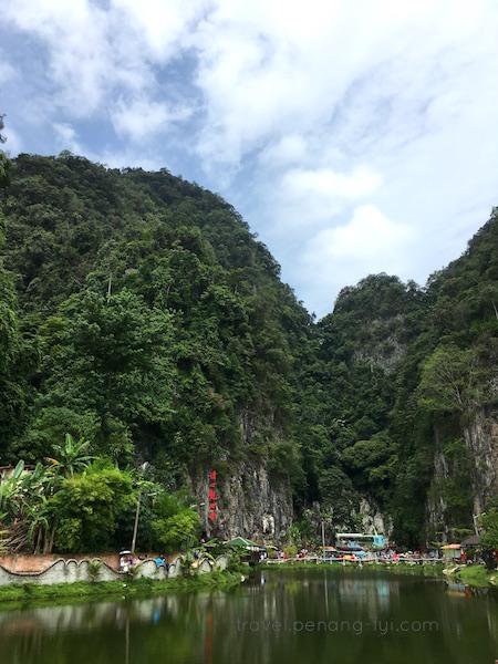 ipoh-Qing-Xin-Ling-Leisure-Cultural-Village-lake