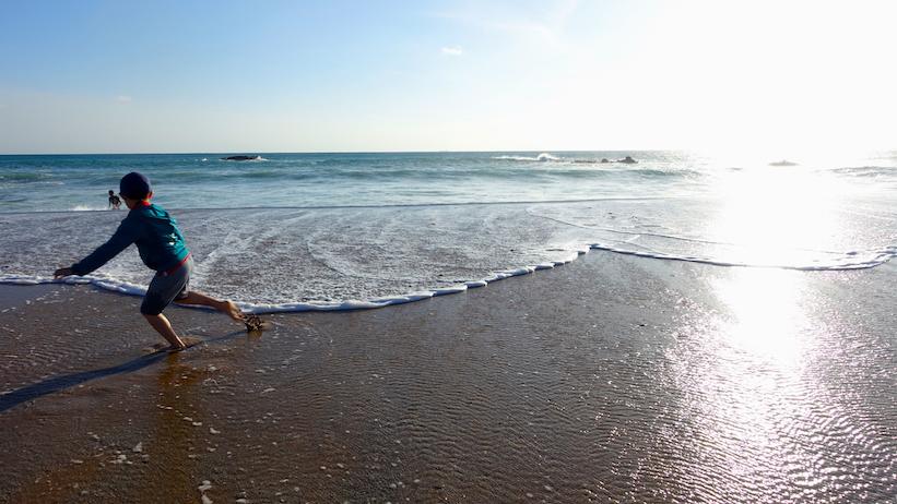 kenting-beach-little-boy