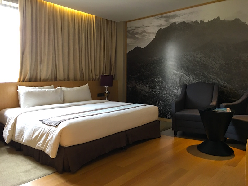 horizon-hotel-room