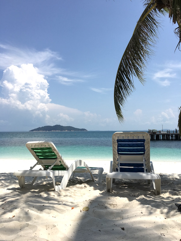 rawa-island-beach-chairs
